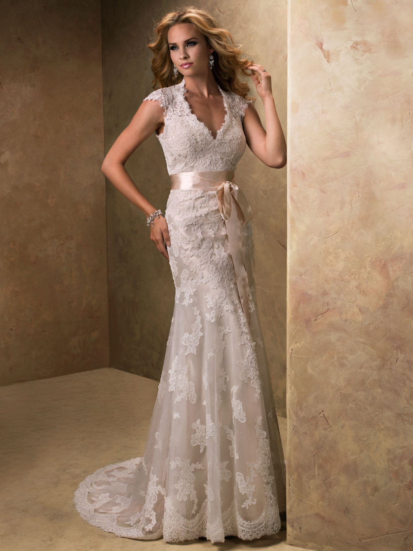 Keyhole Wedding Dresses Bronwyn By Maggie Sottero: Key Hole Wedding Dress At Reisefeber.org