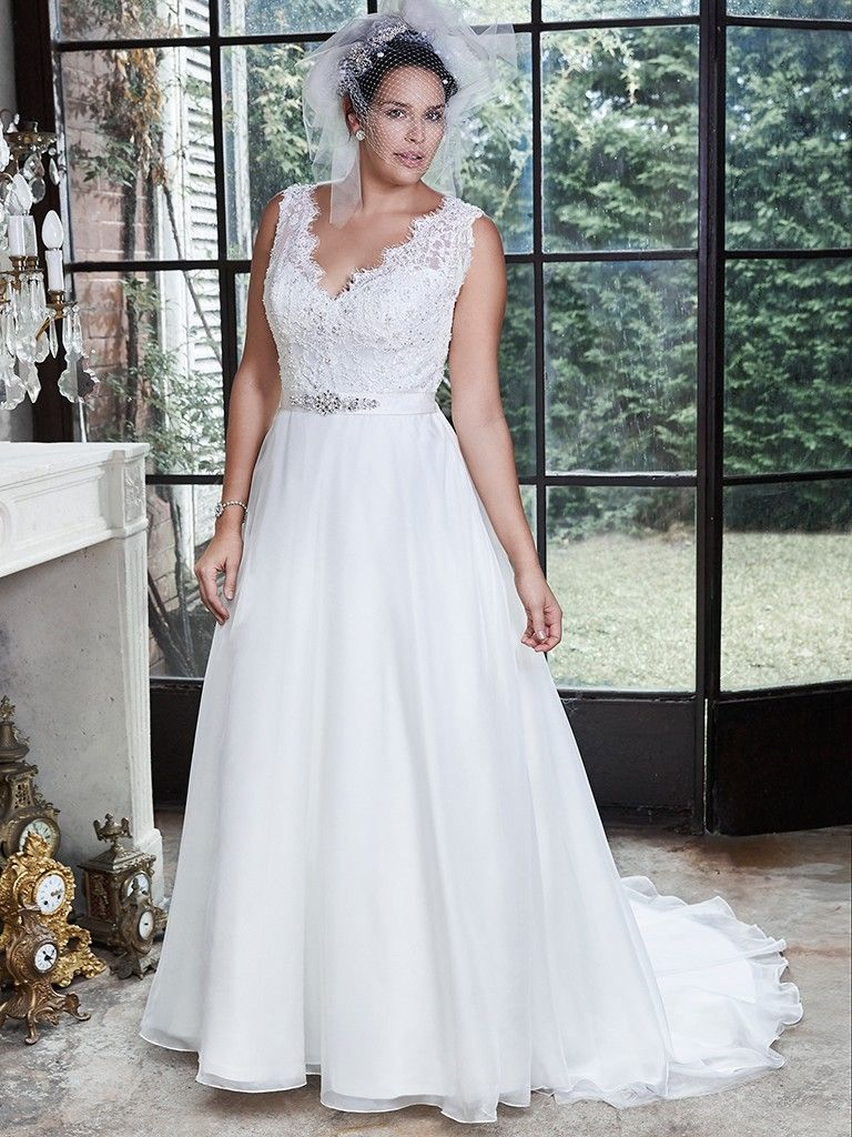 Flattering wedding dresses for curvy brides love maggie for Wedding dresses for short and curvy