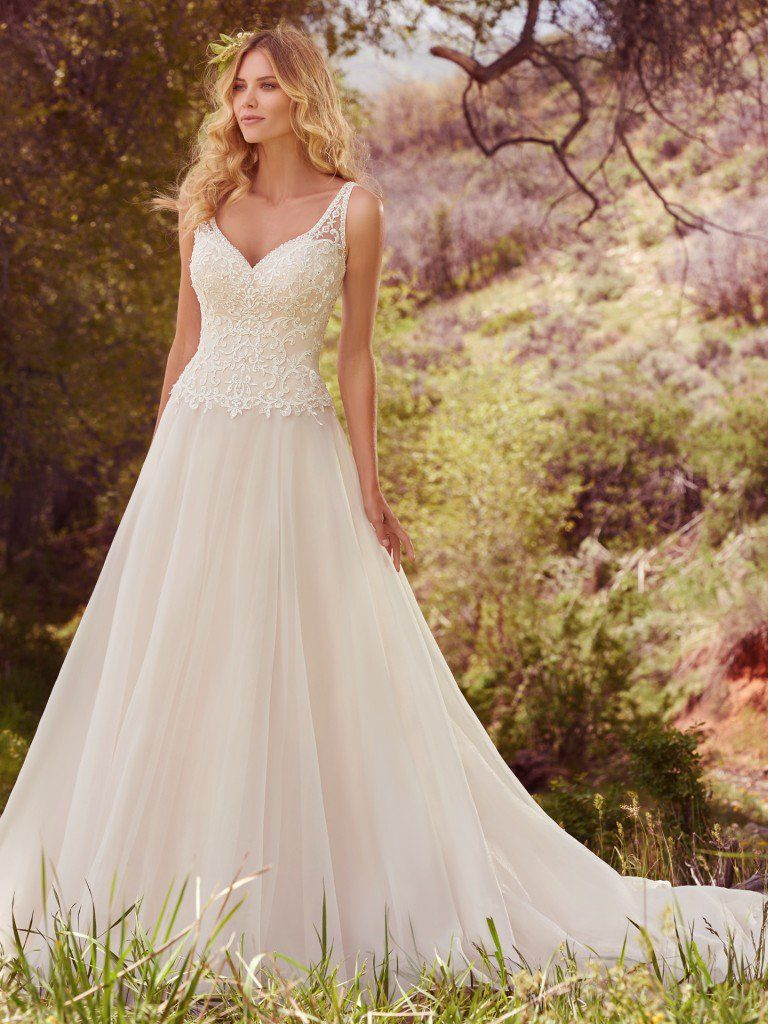Finding the Perfect Dress for Your Body Type - Flatter busty shapes by wearing Krisha by Maggie Sottero