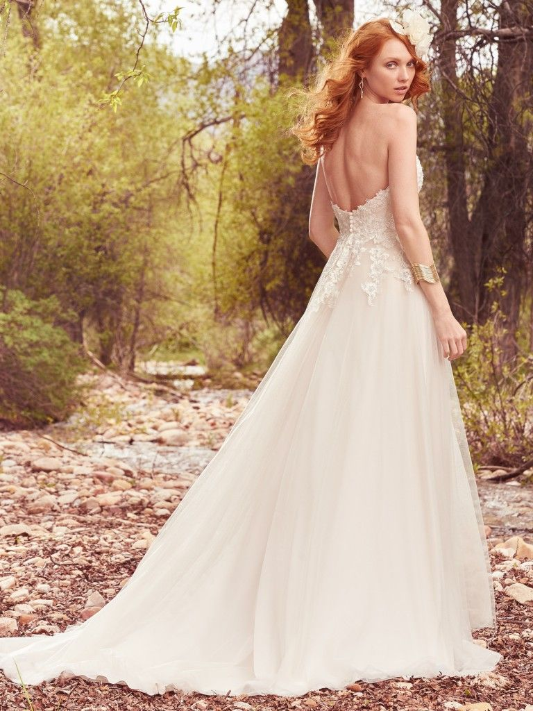 20b2d99041c6a Gorgeous Lakeside Wedding With Country-Rustic Details and Lace Gown ...