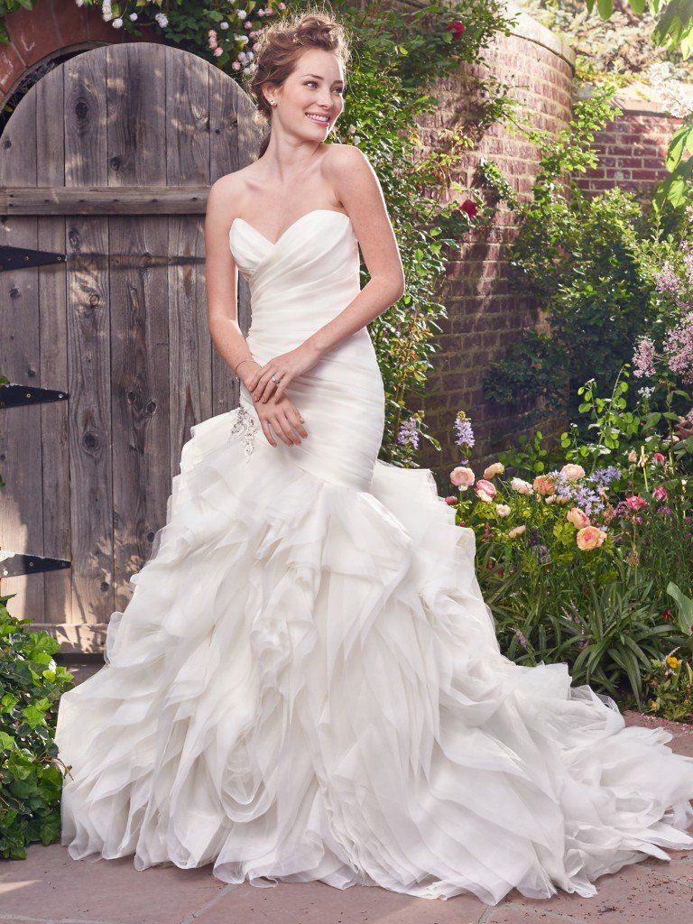 What Your Wedding Colors Say About You - Isabelle wedding dress by Rebecca Ingram