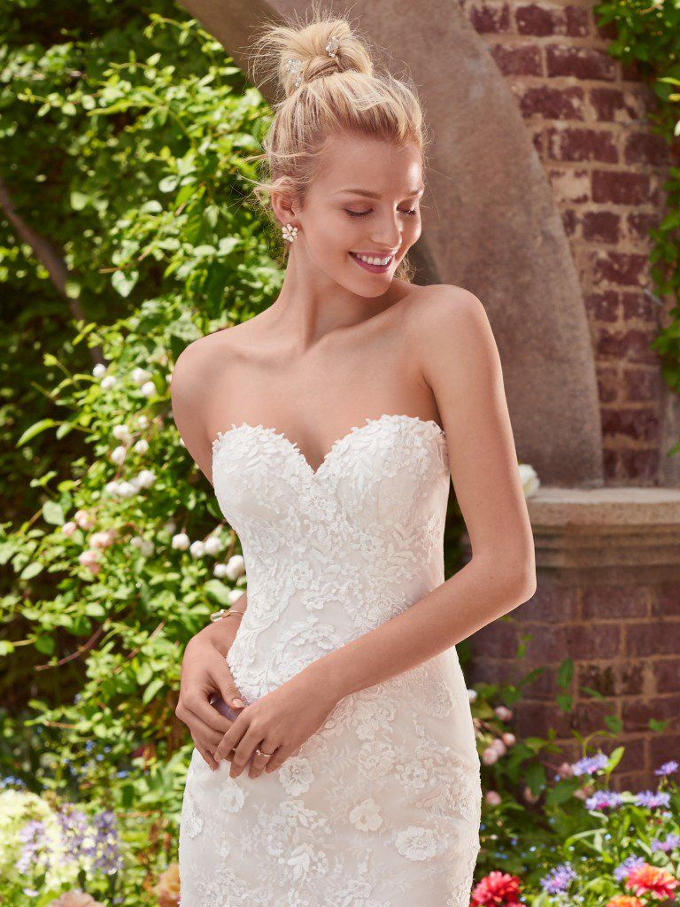 DIY Wedding Inspiration From Our Real Brides - Brenda wedding dress by Rebecca Ingram