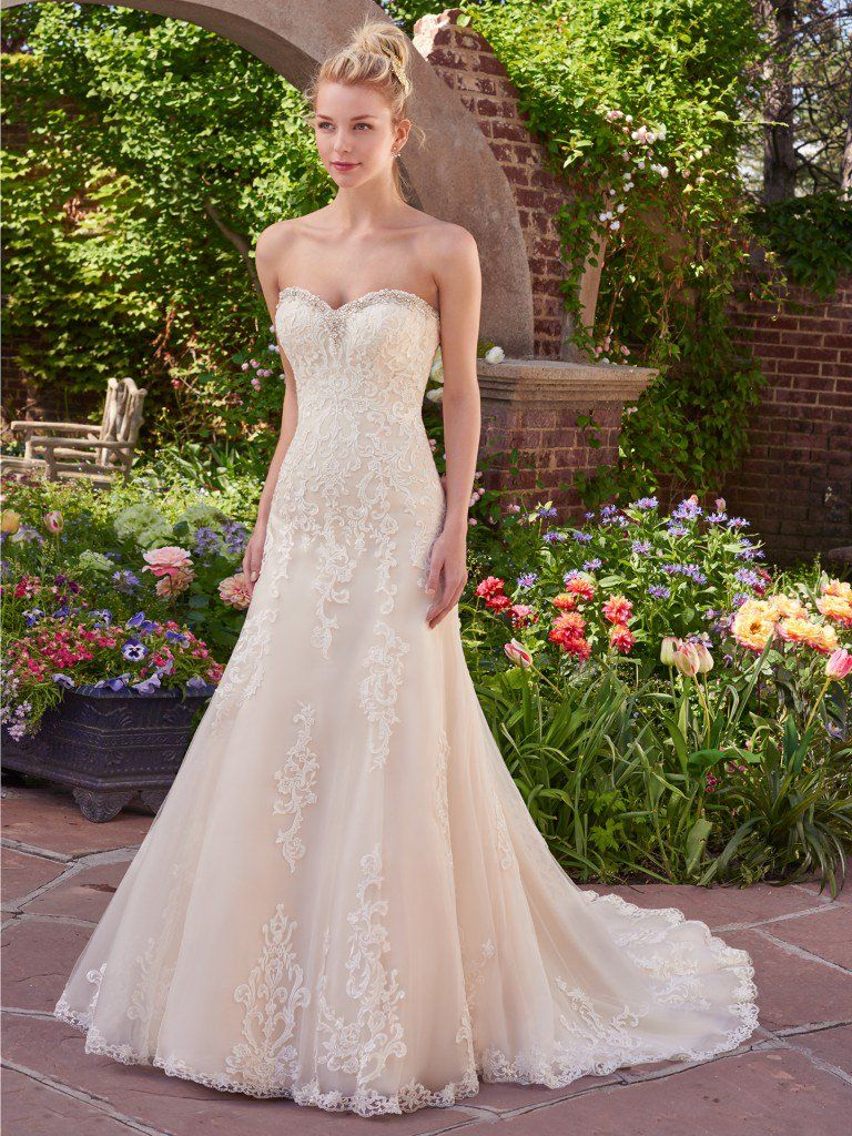 Finding the Perfect Wedding Dress for Your Body Type - Flatter busty shapes by wearing Vernice by Rebecca Ingram