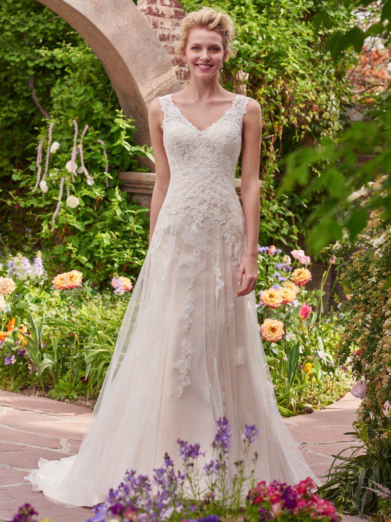 14 super cute wedding ideas and plans love maggie love maggie 14 super cute wedding ideas boho brides will love the piper wedding dress by rebecca junglespirit Images
