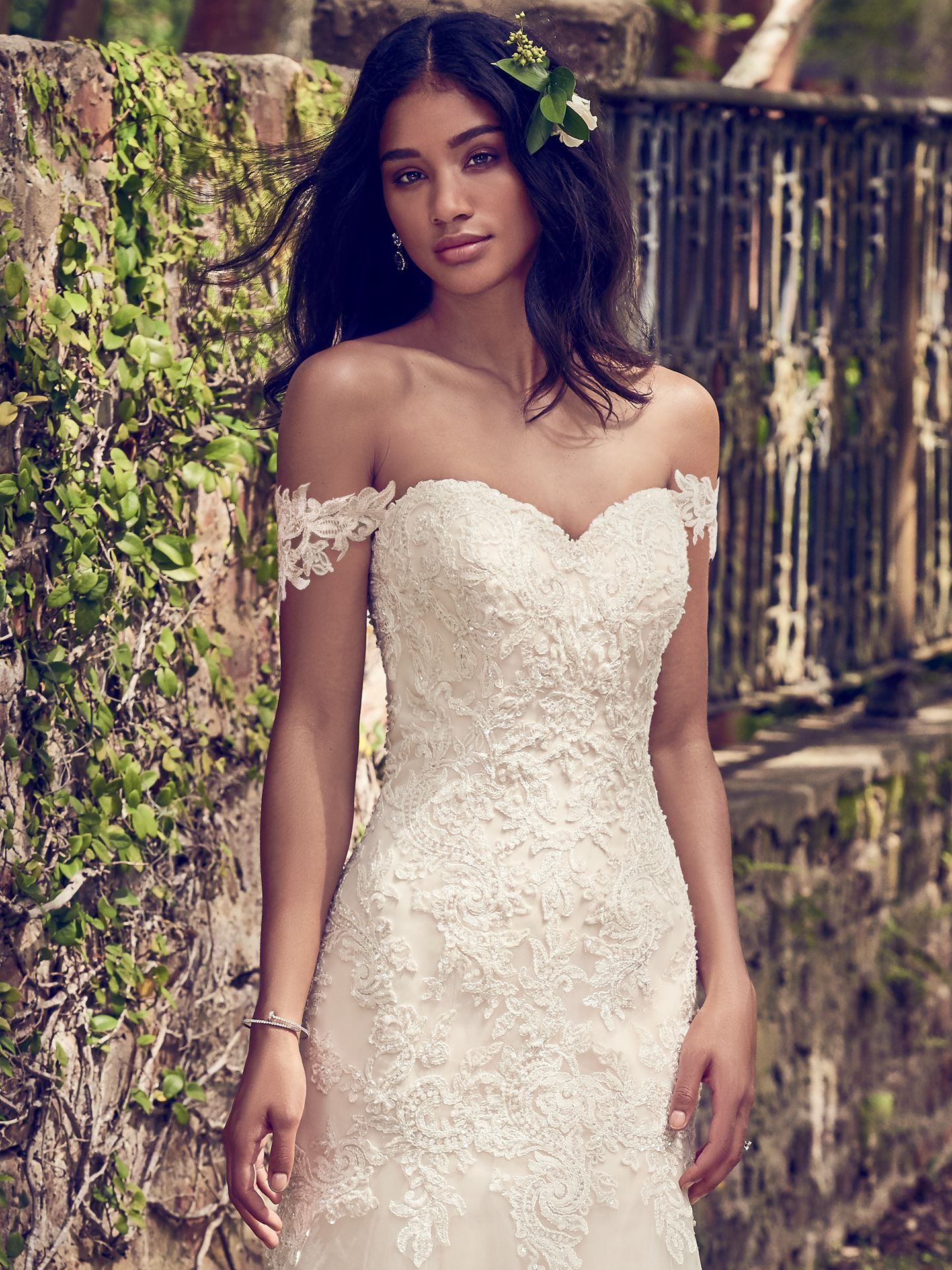 6 Best Wedding Dresses for a Rustic Wedding - Love Maggie : Love Maggie