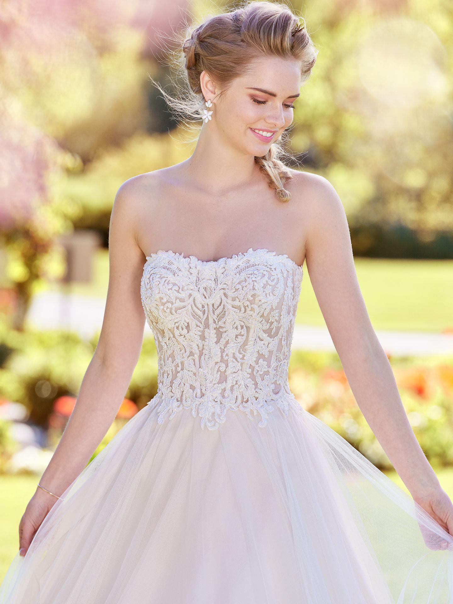 "Lavonne wedding dress for that ""effortlessly alluring"" vibe. Lavonne features see-through illusion netting to expose the interior corset boning. - The Latest Wedding Dress Trends for Engagement Season 2018"