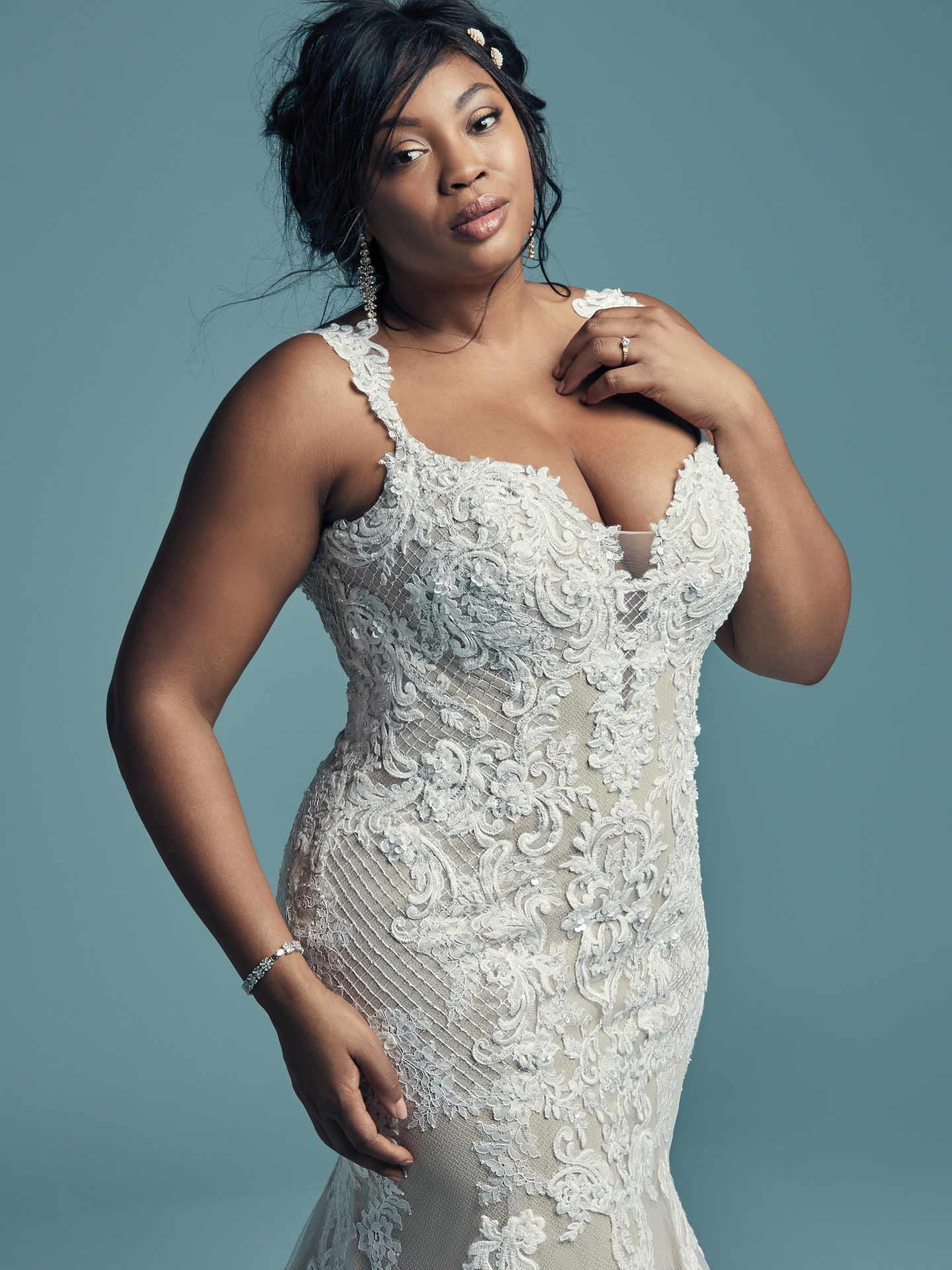 The Ultimate Guide to Wedding Gowns for Curvy Brides from Whitney of CurveGenius - Try the Abbie Lynette wedding dress by Maggie Sottero for your hourglass shape