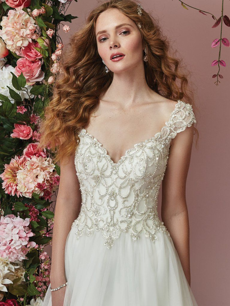Contemporary Bellas Wedding Gown Composition - Top Wedding Gowns ...