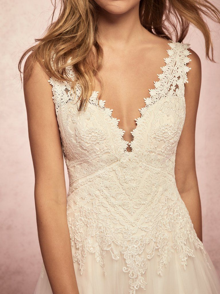 Unique wedding dresses with geometric lace | Kelis lace wedding dress by Rebecca Ingram